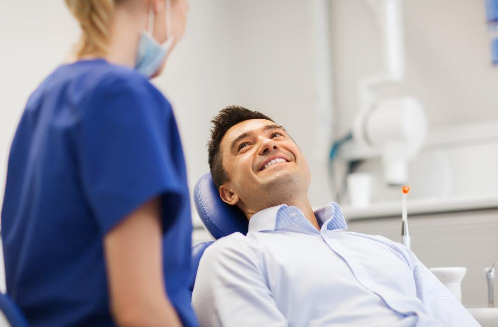 Comfortable patient at dentist office in Bonita Springs | Dr. Michael Gostigian